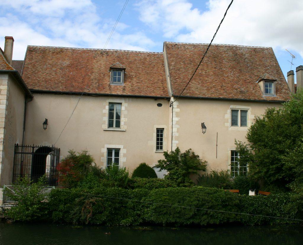 Façade arrière du côté du Nohain de l'ancien Couvent des Augustins, Musée de la Loire